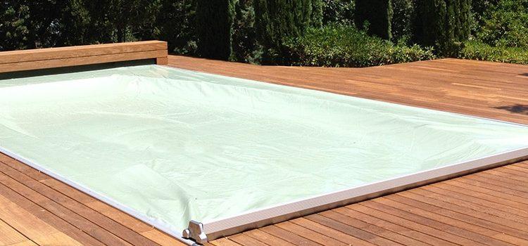 La couverture de piscine électrique : le confort et la sécurité